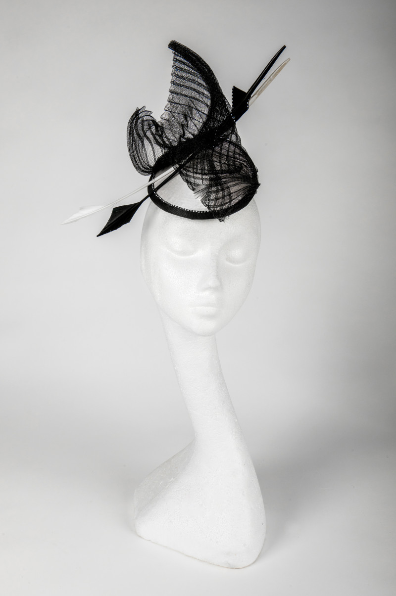 monochrome fascinator