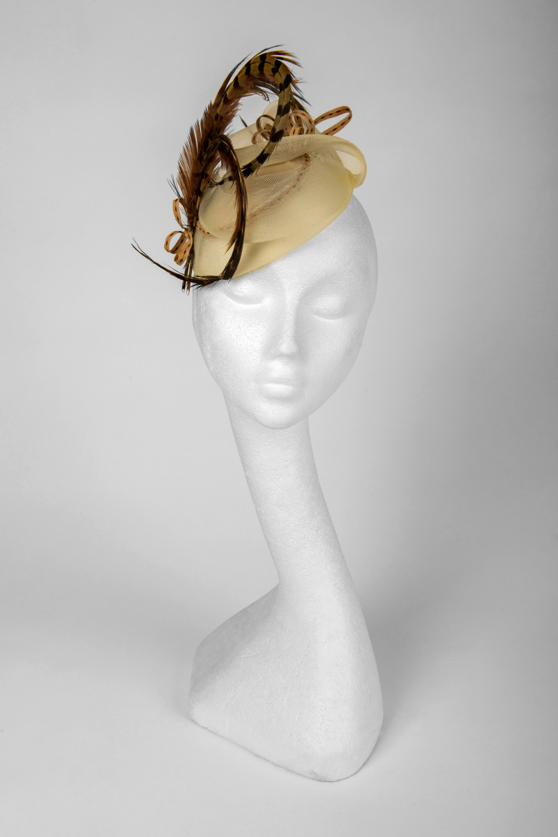 coffee and cream fascinator