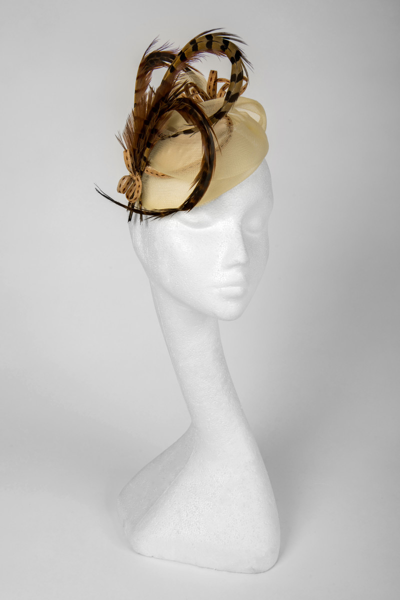 fascinator with feathers