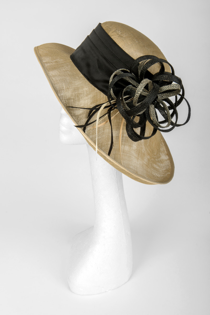 black and cream classic brimmed hat
